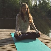 Recently graduated yoga teacher specializing in power of yoga for mental and physical health